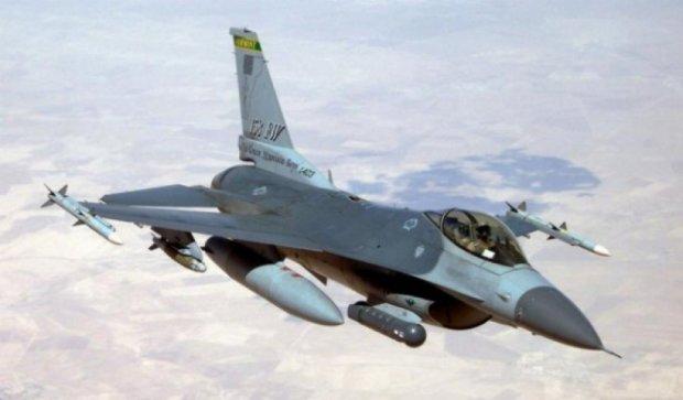 Возле Латвии перехватили российские военные самолеты
