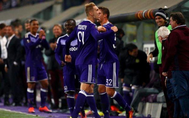 Экс-футболист Динамо показал неприличный жест бельгийским фанатам