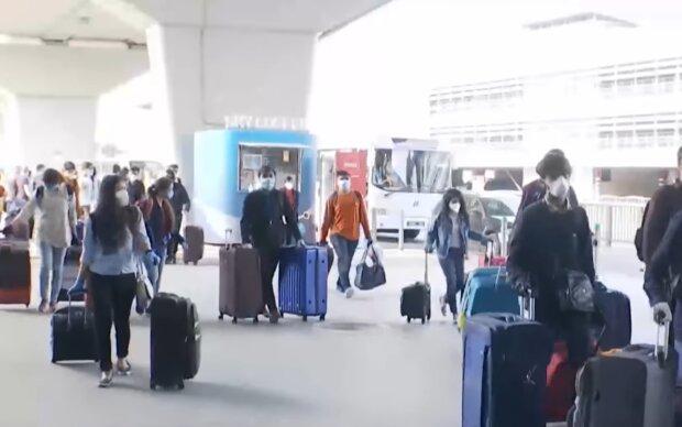 Аеропорт, скріншот з відео