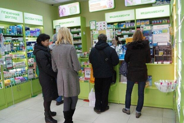 Афера в аптеке: харьковчанка угодила в передрягу, стоя в очереди