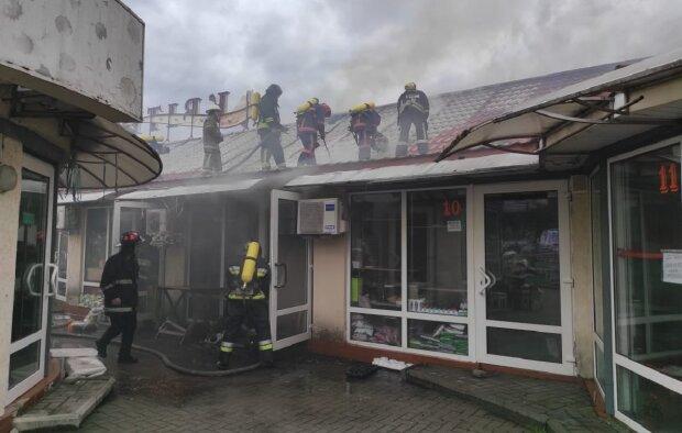 Пожежа у Франківську, фото: Facebook ДСНС Івано-Франківської області