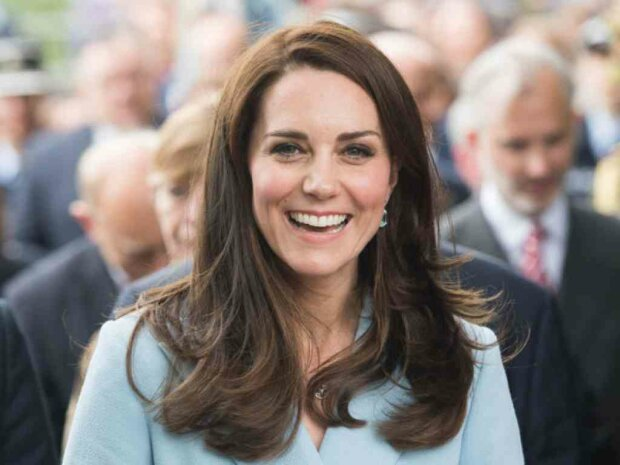 Кейт Миддлтон показала, как выглядеть герцогиней в джемпере из масс-маркета: всем по карману