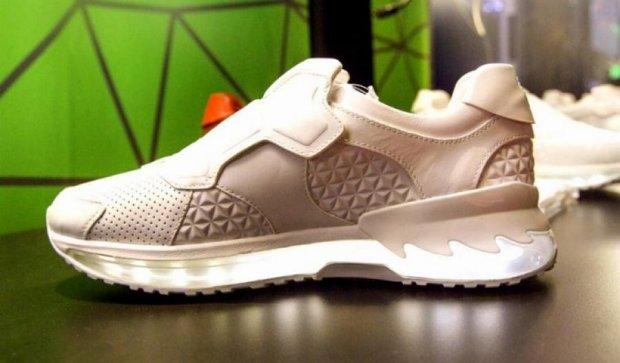 Lenovo представила кросівки з 3D-сканером