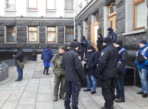 #СТОПpressФОП под Офисом президента, фото: Znaj.ua