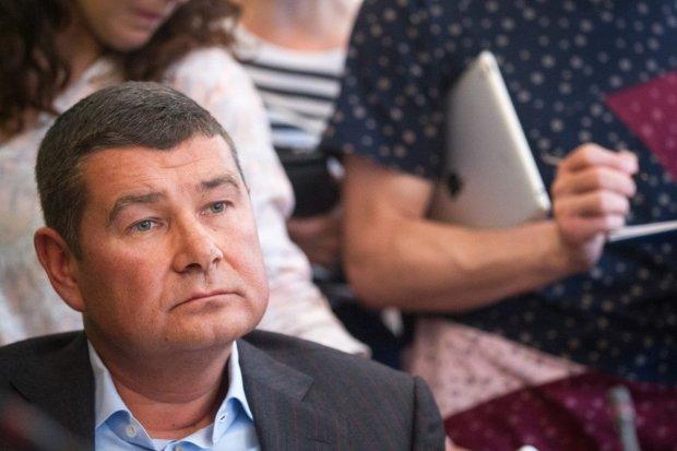 """Скандальному дружку Януковича """"прописали"""" мощного пинка: пытался проскочить в Раду"""