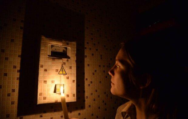Франковчан массово оставят без света: кому готовить свечи