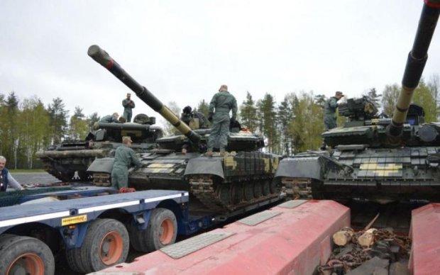 Українські танки прямують до Польщі: відео