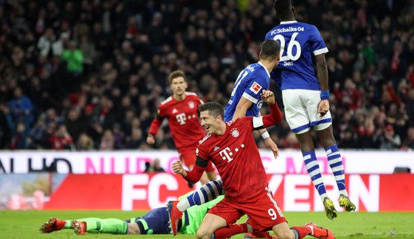 Бавария победила Шальке, Коноплянка сыграл полный матч в Мюнхене