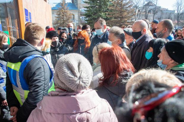 Митинг во Франковске, фото: Facebook Руслан Марцинкив