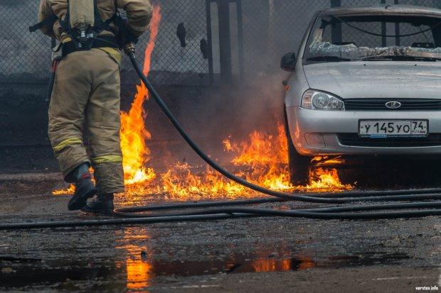 У Дніпрі підпалили переповнене кафе, є постраждалі: відео