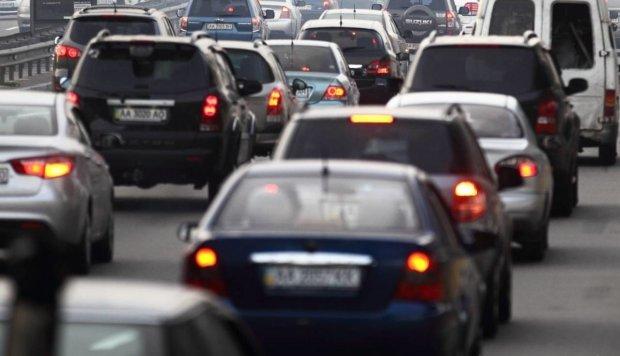Водіїв та пасажирів привчатимуть до безпеки гігантськими штрафами: що потрібно знати