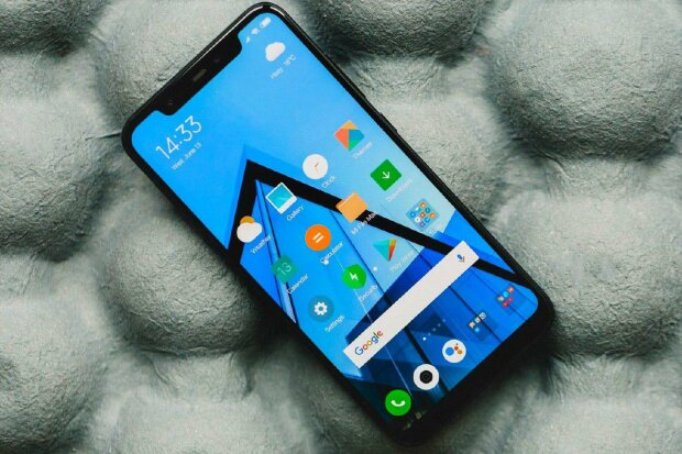 Pocophone F2 от Xiaomi впервые засветился на фото