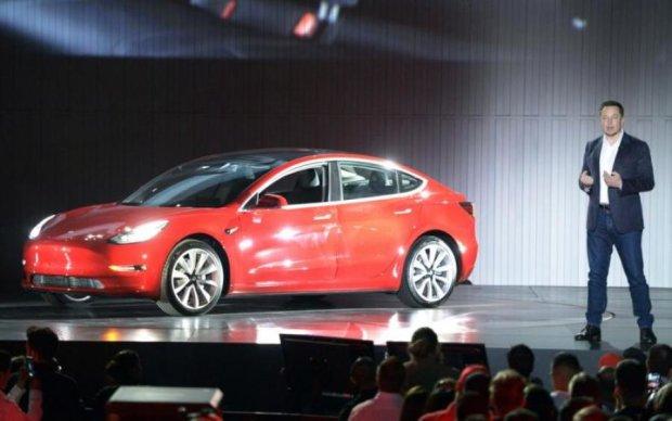 Маск осчастливил проворнейших клиентов Tesla