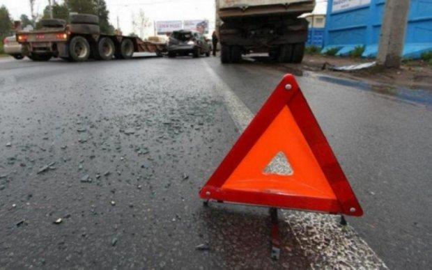 Смертельна аварія на Полтавщині: машини перетворилися на купу брухту