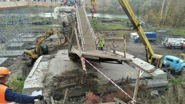 """Новый мост в Станице Луганской спровоцировал ажиотаж еще до открытия: """"С караваем встречать?"""""""