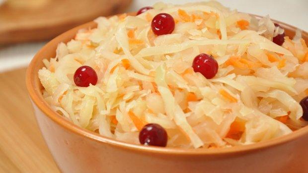 Цікаві рецепти до Великого посту: салат з квашеною капустою і грибами