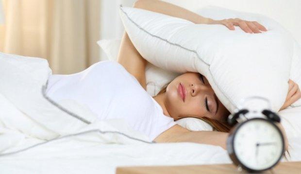 С первыми петухами: почему мы просыпаемся раньше будильника