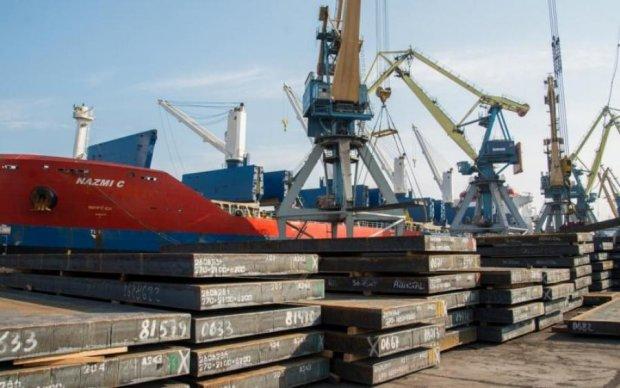 Перекриття Керченської протоки: скільки втратять українські порти