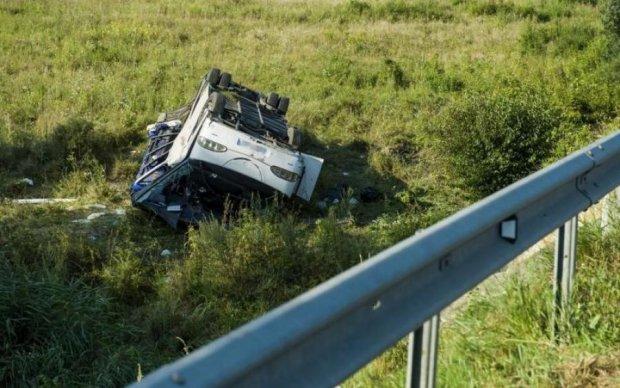Автобус з українцями розбився в Угорщині: багато постраждалих