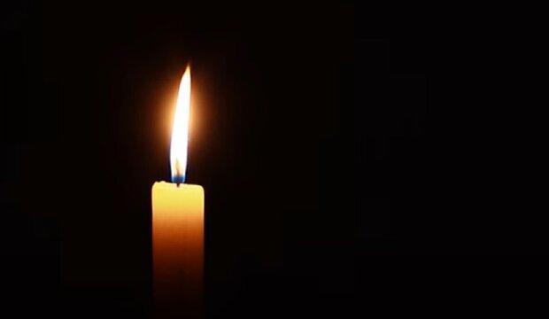 Палаюча свічка, кадр з відео: YouTube