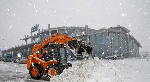 Київський аеропорт ледь не знищив сотню пасажирів: подробиці НП