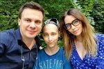 """Комаров з """"Світу навиворіт"""" врятував десятки дітей простим способом: ціна життя - в чашці кави"""
