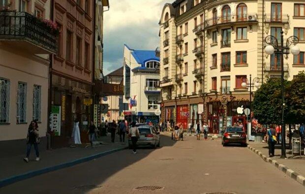У Франківську вулицями потекла ртуть