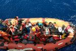Нещадна стихія взяла у полон десятки туристів: водолази збилися у пошуках, дно досі прочісують