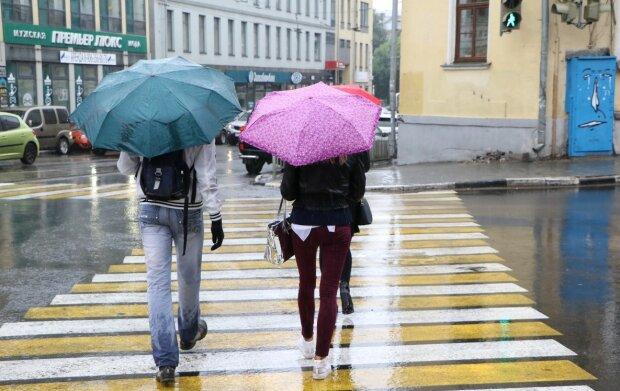 Погода у Дніпрі на 16 серпня: не бачити українцям сонця, як власних вух
