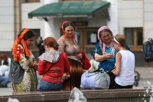 """На Одесчине осудили """"целительницу"""": нашаманила на тысячи"""