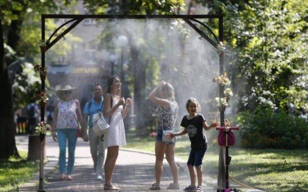 Погода в Києві на липень: пекельна спека і дещо приємне