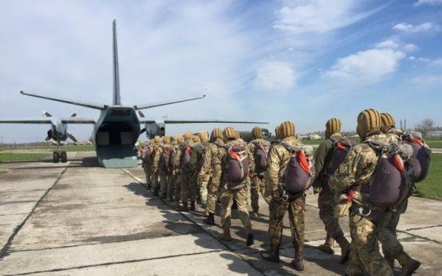 В сети показали тренировку украинских десантников