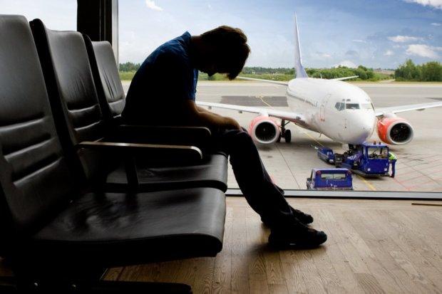 Безвиз не работает, украинцы не могут выехать за границу: подробности массовых отказов