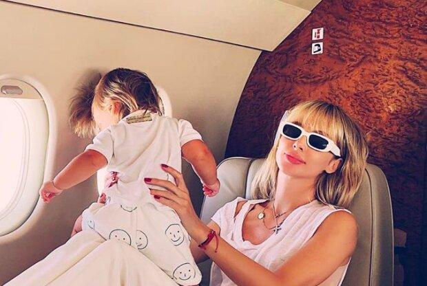 """Лобода наконец показала маленькую дочь Тильду, какая крошечка: """"Вот это шевелюра!"""""""