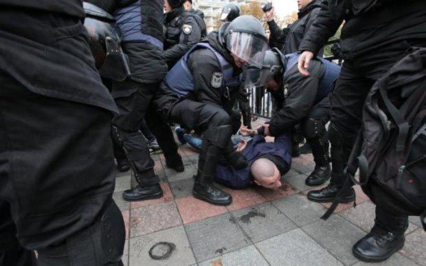 Головой о бетон: всплыла шокирующая деталь о беспорядках в Киеве