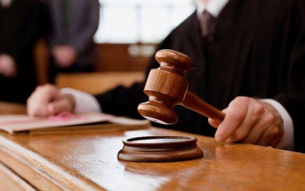 """Олигарх не смог отстоять """"своего"""" чиновника в суде"""