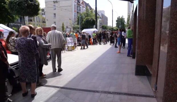 """Активісти попереджають киян про численні порушення на об'єктах """"Інтергал-Буду"""""""