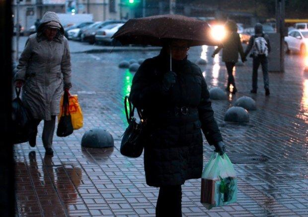 В Україні оголосили штормове попередження: де розгуляється безжальна стихія