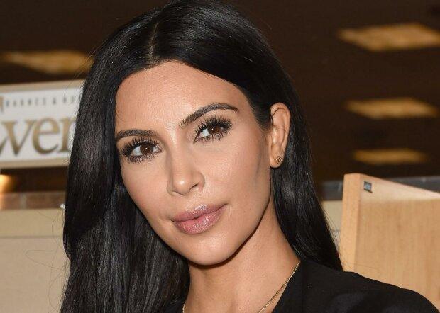 """Ким Кардашьян неизлечимо больна, звезда Instagram потеряла последнюю надежду: """"Розпадаюся...."""""""