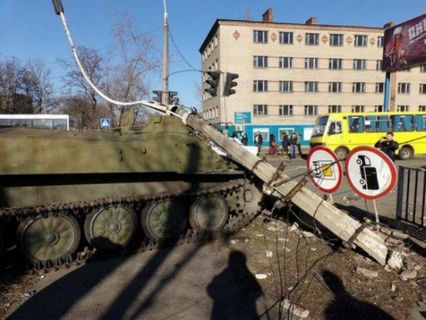 У Костянтинівці збирається мітинг через ДТП