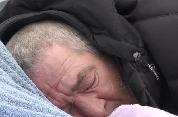 Бездомный, кадр из видео