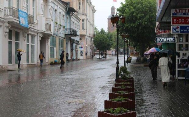 Винница, держись: стихия устроит украинцам мокрые игры 26 сентября, без зонтиков - ни шагу