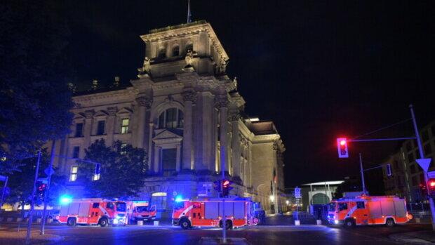 В В Берлине пытались сжечь здание Бундеста, фото: bz-berlin.deга
