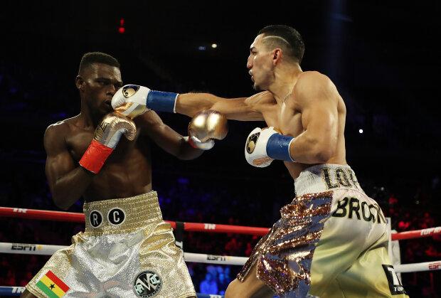 Американский боксер Лопес отобрал титул IBF у Комми одним нокаутом, видео