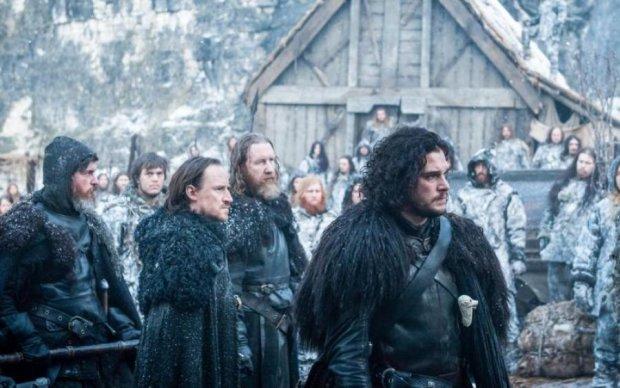 """Джон Сноу за кадром: в сеть слили фото съемок """"Игры престолов"""""""