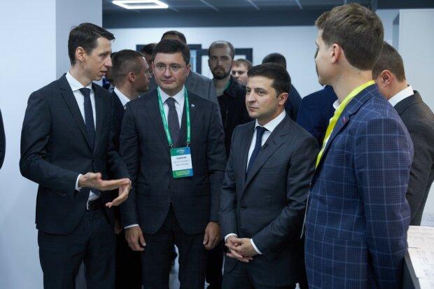 Реінтеграція Донбасу, розведення сил та інвестиції: Зеленський розповів, як це відбуватиметься