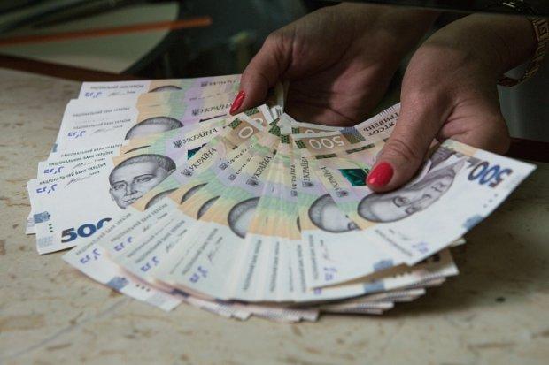 Борг у 80 мільярдів гривень: заплатив за себе, плати за сусіда