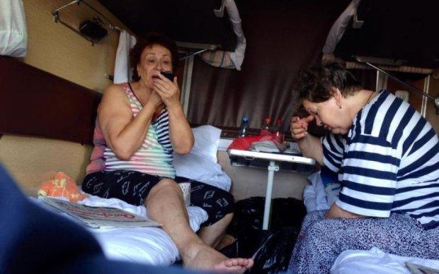 Адская Укрзализныця: как справится с невыносимой жарой в вагоне