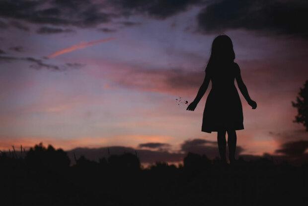 "Девочка отдала Богу душу в школе на руках медиков: ""Стало плохо после..."""