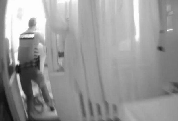 Спасение беременной украинки, скриншот: YouTube